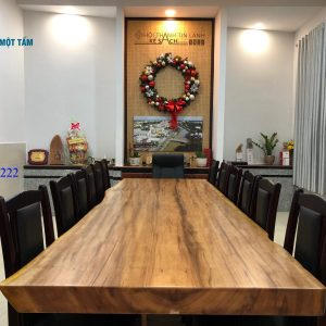 Mặt bàn gỗ lim nguyên tấm tự nhiên