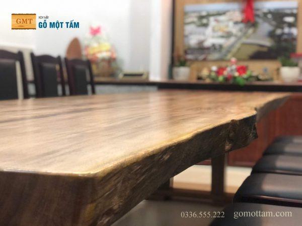 bàn gỗ nguyên khối
