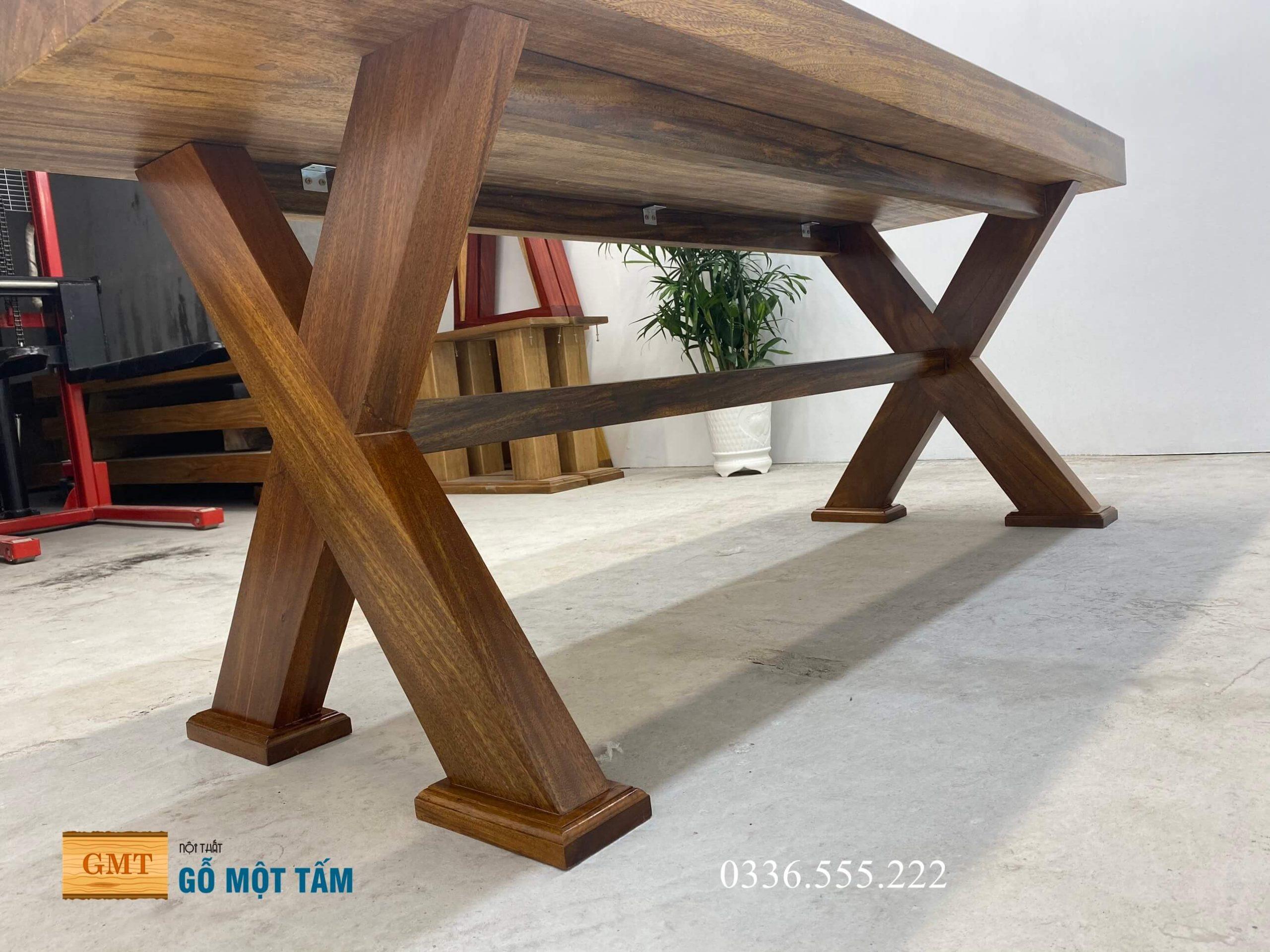bàn làm việc gỗ kim nguyên tấm 2