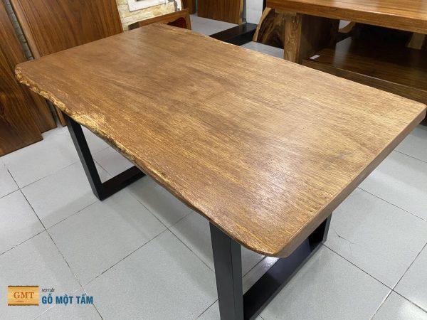 bàn gỗ