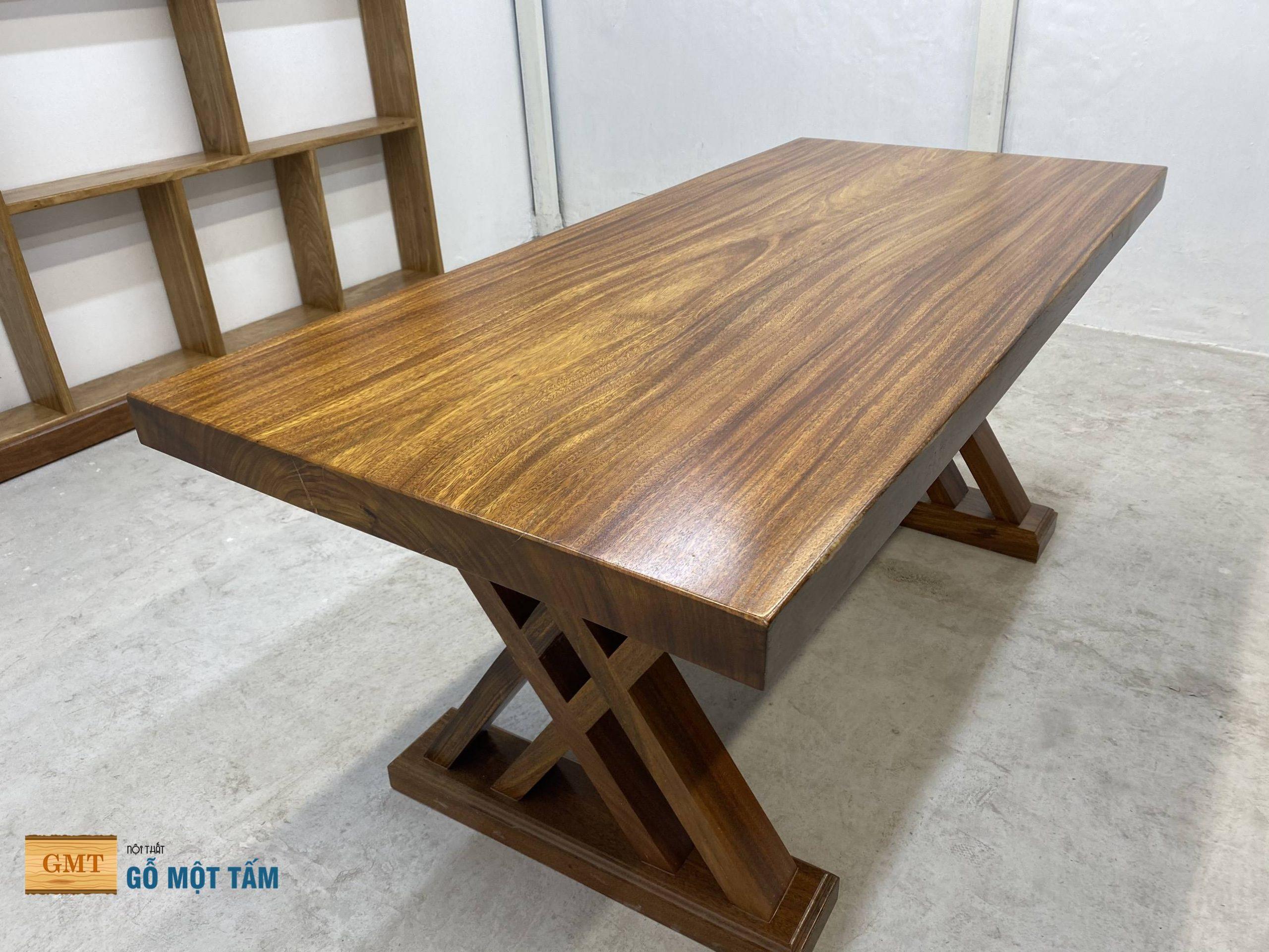 bàn gỗ lim nguyên tấm