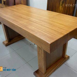 bàn àm việc gỗ gõ vàng