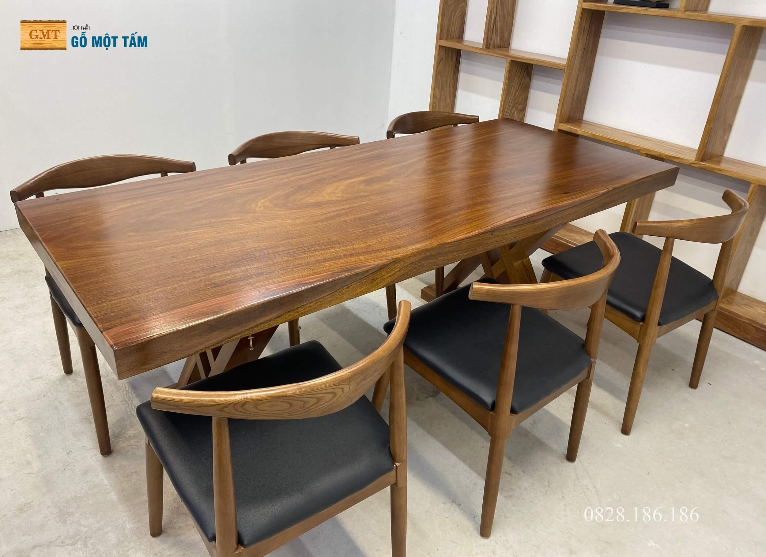 bàn ăn gỗ lim nguyên khối