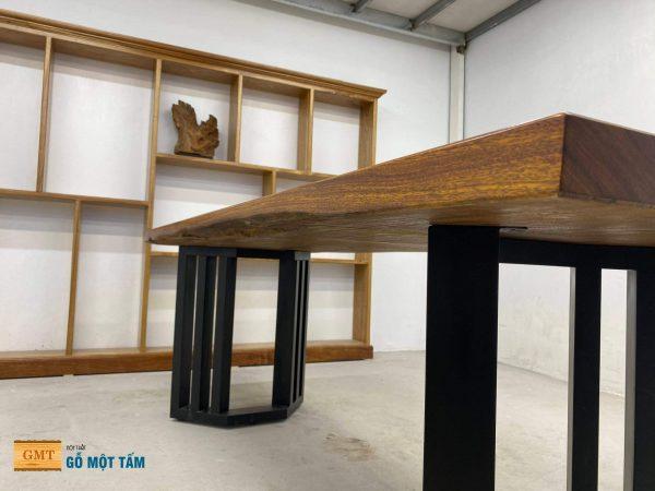 sự mọc mạc của bàn