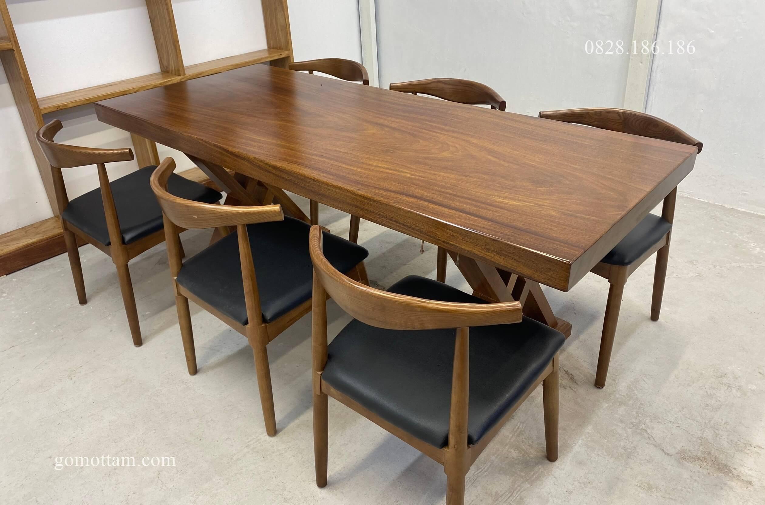 bộ bàn ăn gỗ lim nguyên khối 1