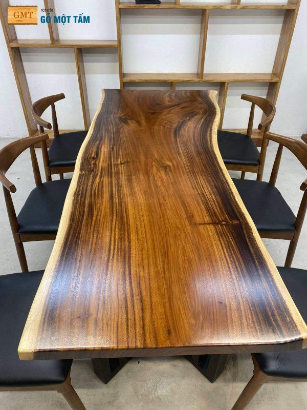 chi tiết vân của bàn gỗ me tây