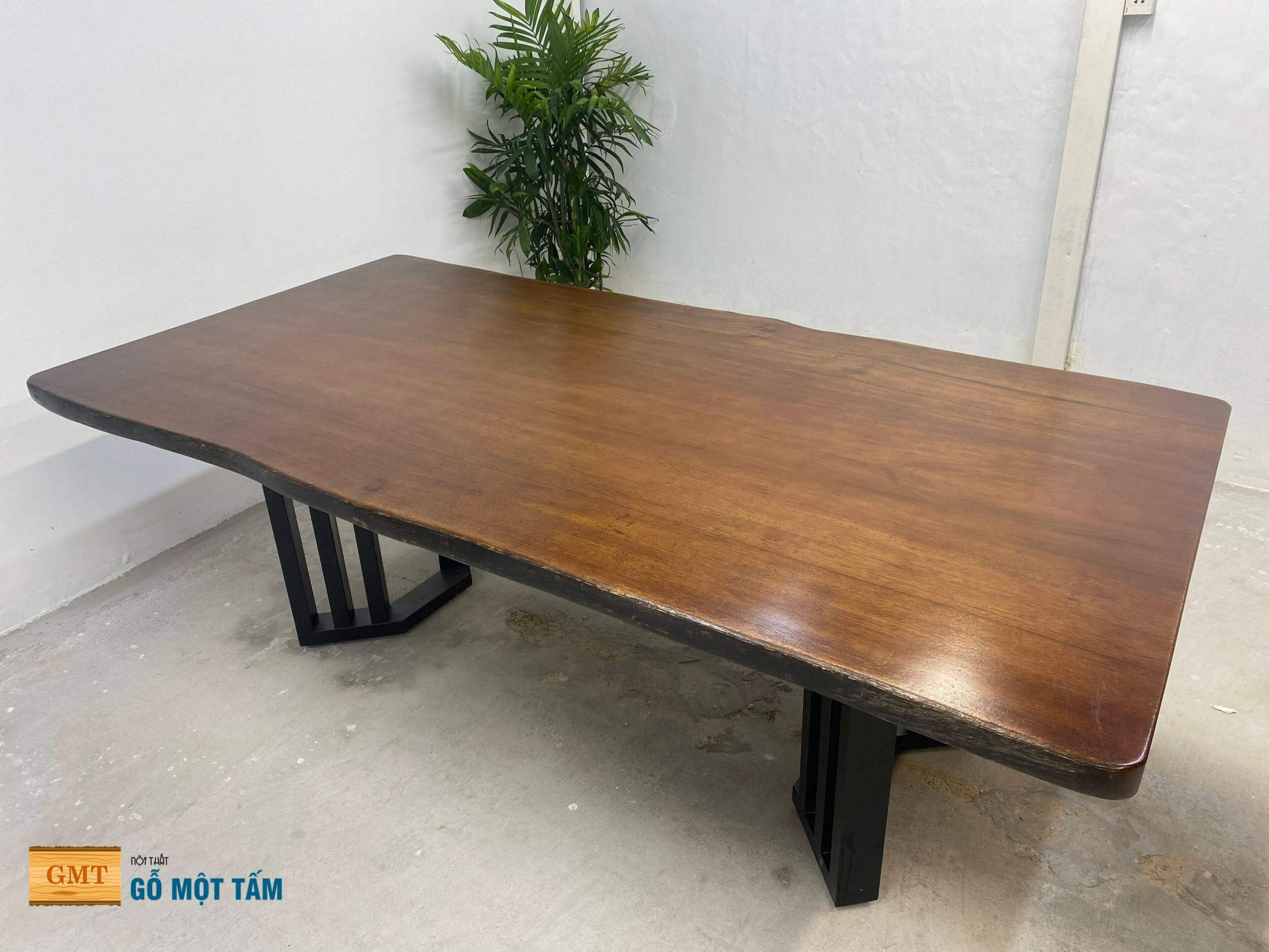 bàn gỗ lim tự nhiên nguyên tấm