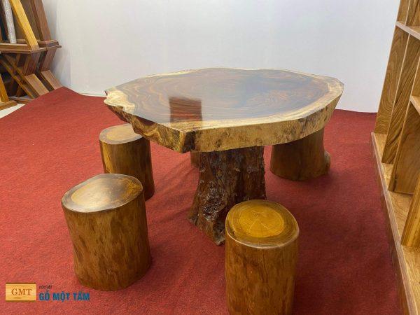 bàn nguyên khối